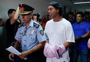 Ronaldinho, as of March 27, remains in Paraguayan prison