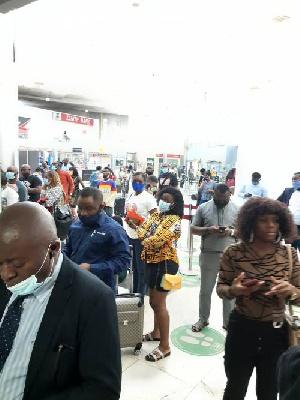 Passengers stranded as Arik Air staff embark on industrial action