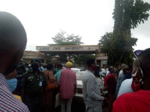 Protesting staff have stopped LASU VC from entering the institution