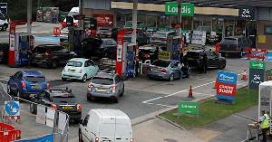 Fuel scarcity hits UK