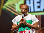 Bovi flaunts #EndSars shirt at 2021 Headies